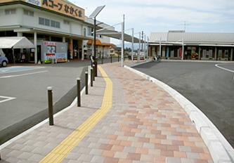 あさぎり駅前歩道 舗装材 照明 柵 シェルター